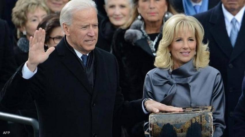 Mira una batalla entre una anaconda y un cocodrilo caimán