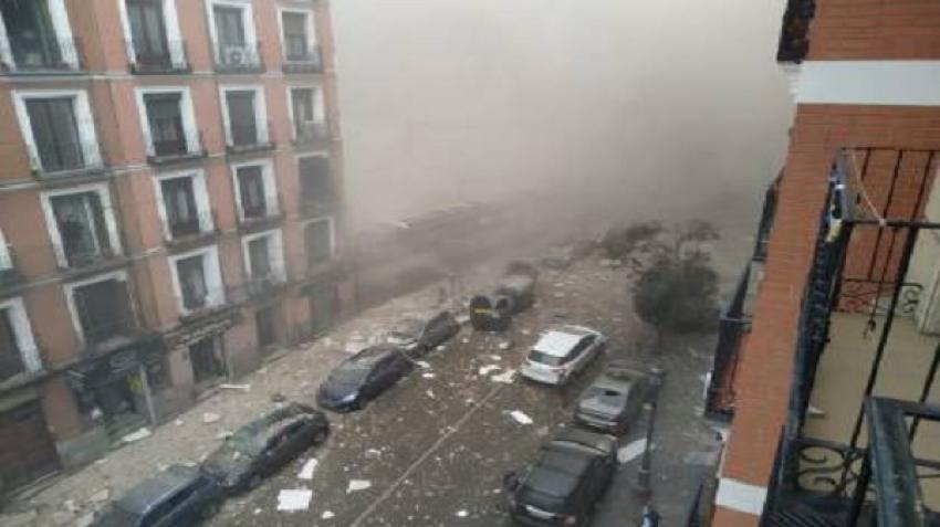 شاهد معركة بين حية الأناكوندا وتمساح كيمان